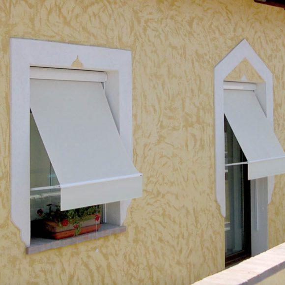 Tende per finestra il tappezziere mauri tappezziere e - Tende parasole per finestre ...